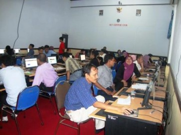 Pelatihan Blog bagi Guru-Guru seKota Makassar